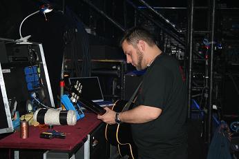 backstage-hilko.JPG