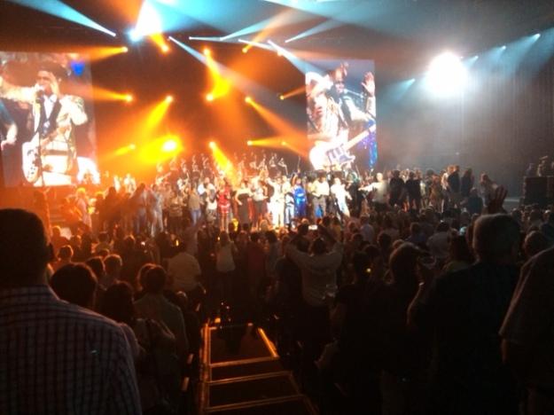 Nile Leute auf der Bühne